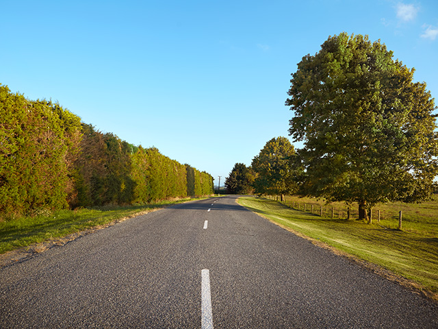 Country Road 640 480px