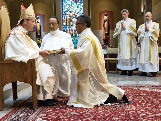 2017-Ordination-Orlando-Barros-arlington-diocese card